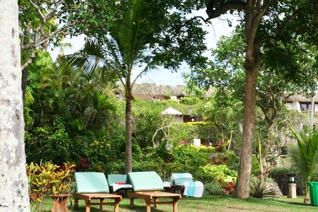 リゾート感のある庭づくり