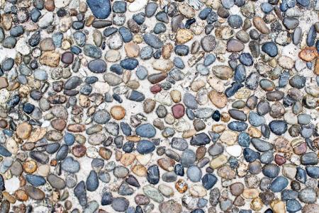土間コンクリートと自然石