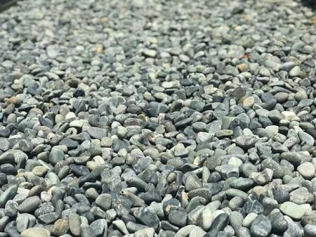 砂利の敷き詰め