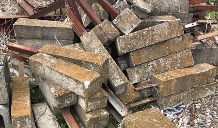 ブロックもレンガも産業廃棄物!
